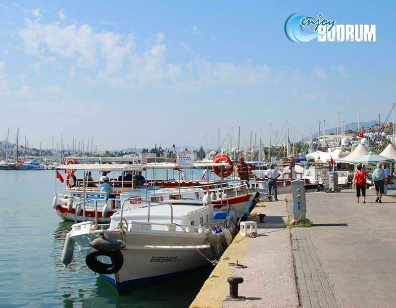 Short distance boats at the Bodrum harbour
