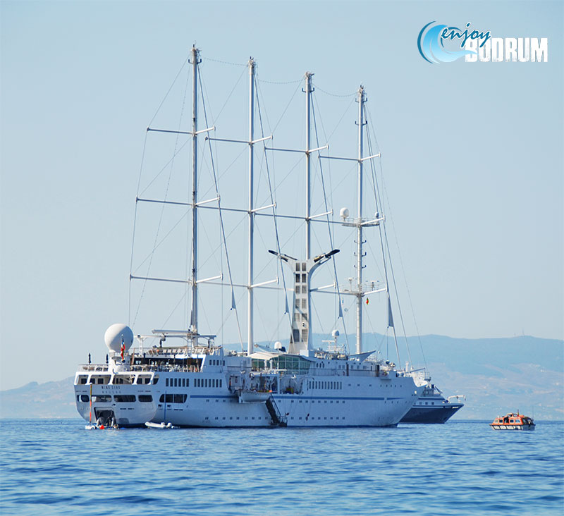Small cruise ship at Bodrum